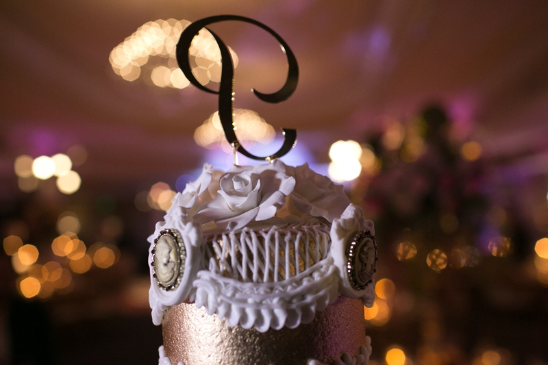 cake topper at oheka