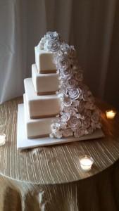tent wedding cake