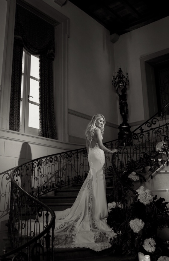 oheka, bride, stairs