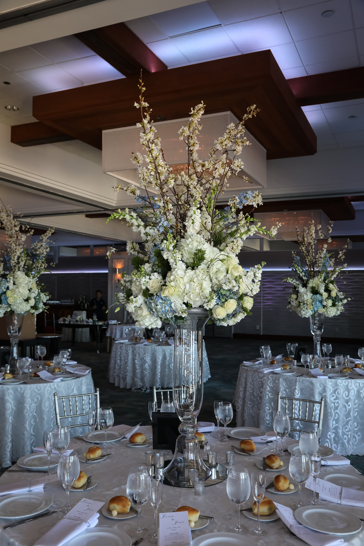 ballroom tables Crescent Beach Club (1)